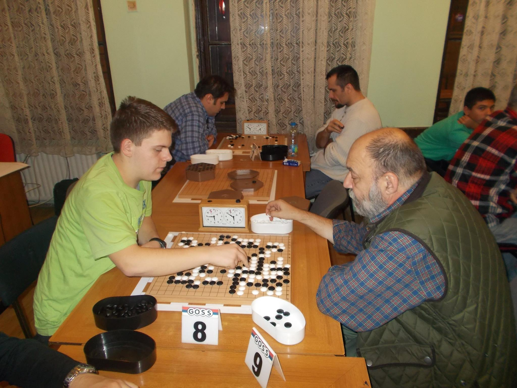 Uroš Mitrović, levo, protiv Popa